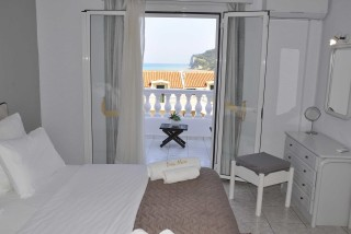 accommodation fedra mare room