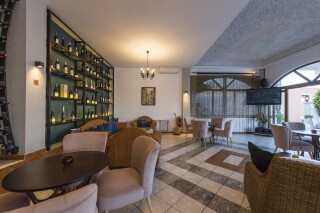 facilities fedra mare hotel lounge room